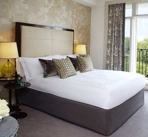 luxury hotel rooms suites knightsbridge the berkeley