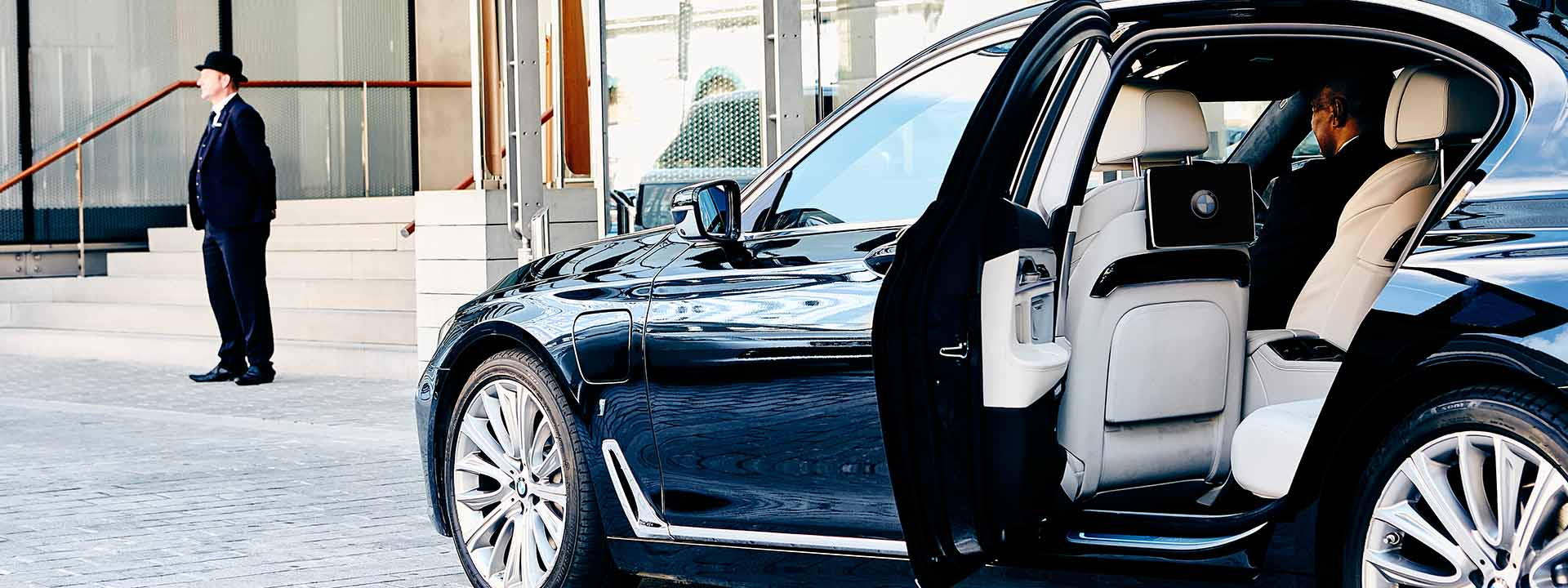 Luxury Airport Transfer Chauffer Driven Service The