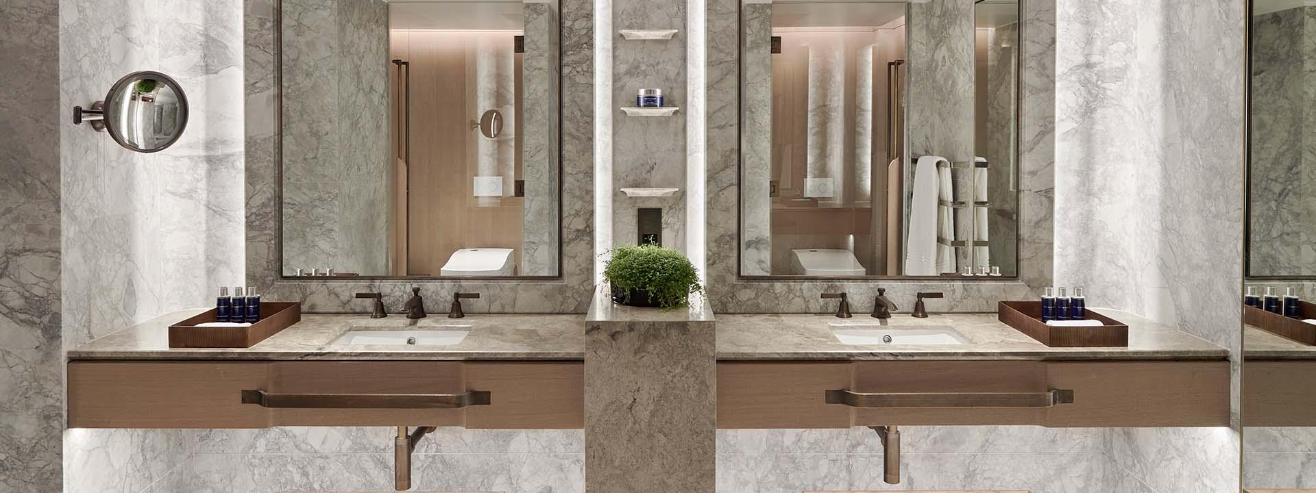 Grand Pavilion Penthouse Bathroom