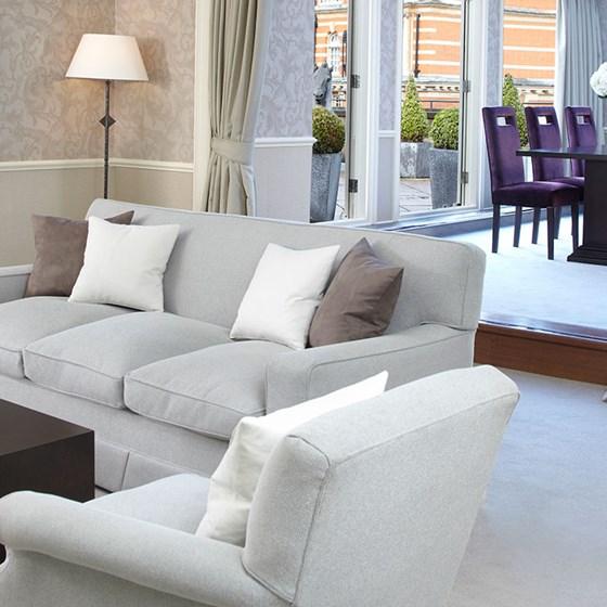 Deluxe junior suite one bedroom suite the berkeley for 136 the terrace wellington